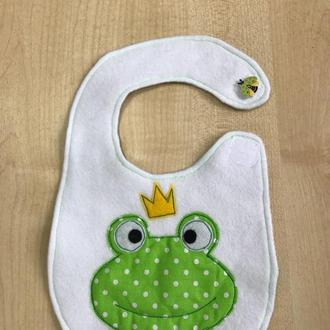 Слюнявчик з жабкою