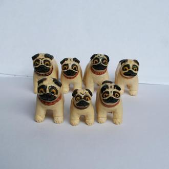 """Невеличкі керамічні фігурки """"Мопси"""" 3-5см"""