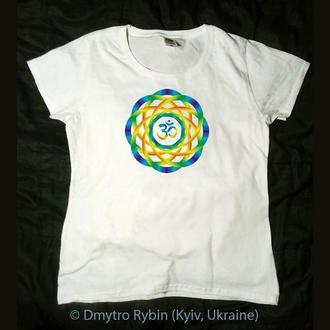 Эксклюзивная футболка. Мандала со знаком Аум (Ом). Авторская графика. Хлопок. Печать термопереносом.