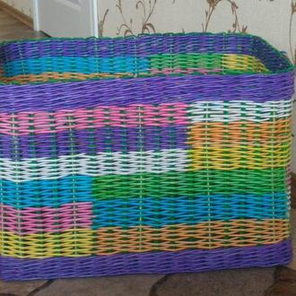 Плетёная корзина для игрушек