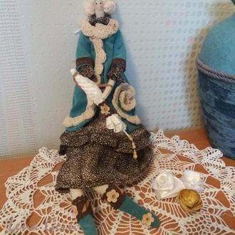 Интерьерная кукла Тильда в вельветовом наряде.