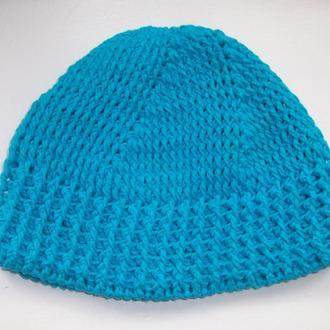 Весняна в′язана шапочка для дітей