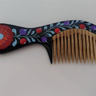 Деревянная расческа для волос с редкими зубьями Ягодки