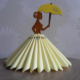 """Салфетница """"Девушка с зонтиком"""""""