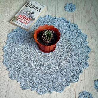 Очаровательная декоративная салфетка ручной работы