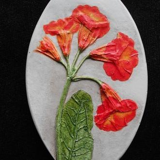 Рельефное панно из гипса Примула весенняя