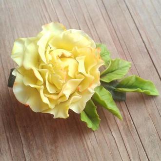 Жовта заколка