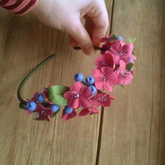 Бордовый веночек с цветами