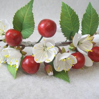 ободок с вишнями