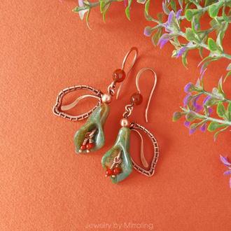 Медные серьги в форме цветка с листиком с индийским агатом / Серьги в технике wire wrap