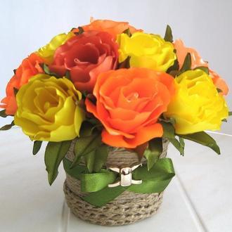Букет роз в ярких оранжево-желтых тонах