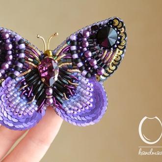 Фиолетовая брошь Бабочка