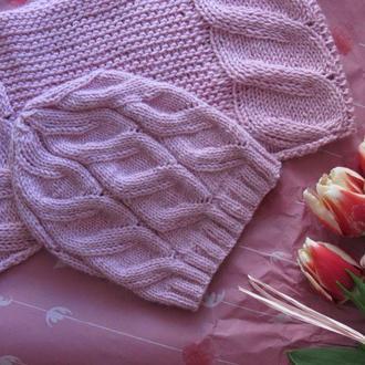 Вязаный комплект из шапки и снуда на весну для девочки