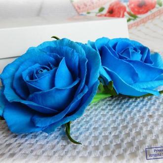 Резинка с синими розами