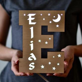 Светильник ночник-буква из дерева - Elias