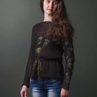 Вязаный мохеровый свитерок с элементами шерстяной акварели