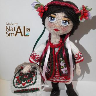 Лялька україночка з великоднім кошиком