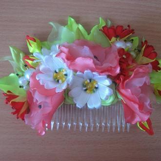 Декоративный гребень для волос в украинском стиле  с цветами ручной работы (в причёску невесты)