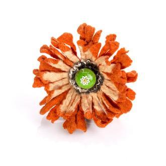 Оранжевая женская брошь из валяной шерсти