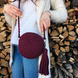 Круглая сумка трикотажная вязанная, клатч с бахромой