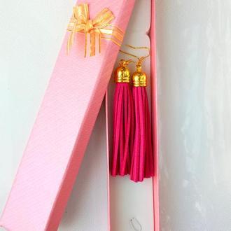 Серьги кисточки из замши розового цвета