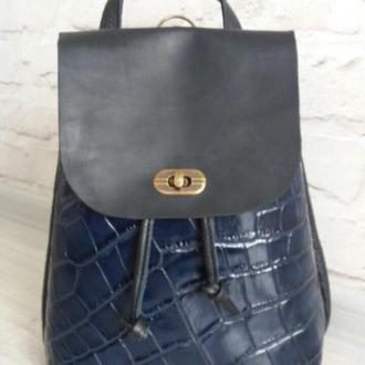 Рюкзак из натуральной кожи. Цвет синий.