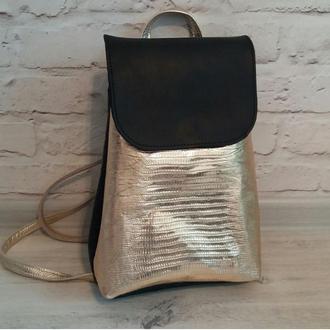 Рюкзак из натуральной кожи. Цвет черный/золото
