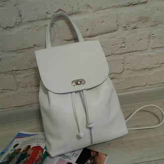Рюкзак из натуральной кожи флотар. Цвет белый.