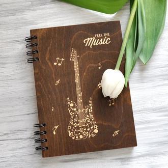 """Книга для записей в деревянной обложке """"Музыка"""""""