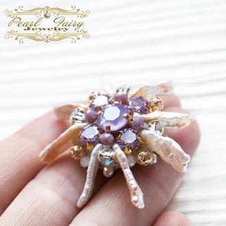 Брошка з кристалами Swarovski та натуральними перлами Біва