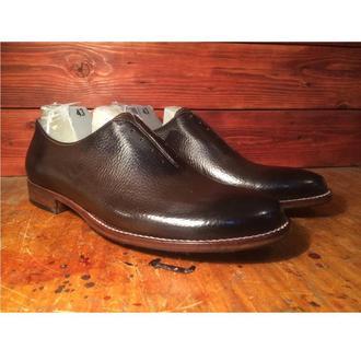 Цельнокройные тонированные коричневые туфли на кожаной подошве