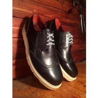 Мужские черные туфли броги на подошве Vibram