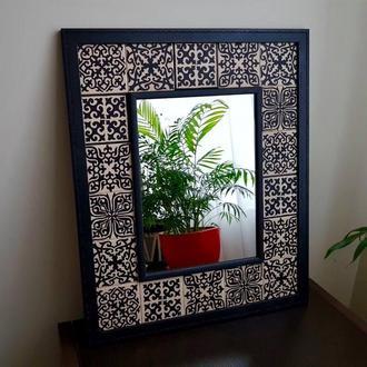 Зеркало с рамой из керамических плиток