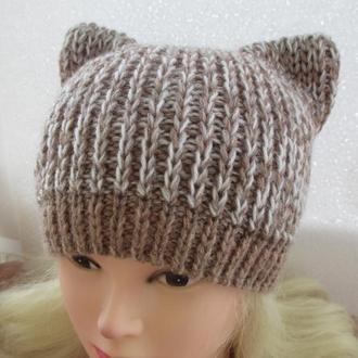 шапка с ушками бело-бежевая