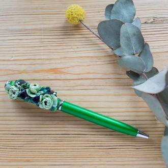 Ручка для того что бы записывать свои заветные желания