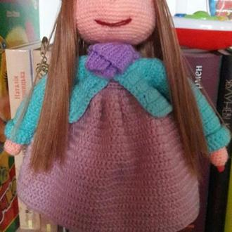 Вязаная кукла Зефирка