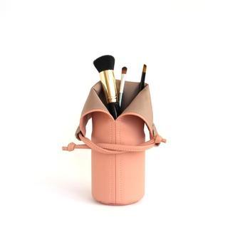 Розовая подставка под кисти для макияжа / Розовая косметичка
