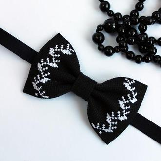 Вишитий метелик Black&White