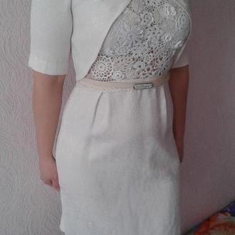 Платье с элементами ирландского кружева