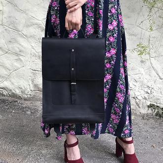 Большой кожаный черный рюкзак