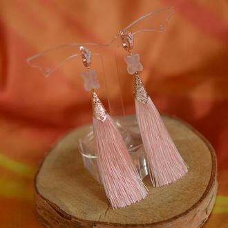 Нежно-розовые серьги - кисти с розовым кварцем  ′Полет бабочки′