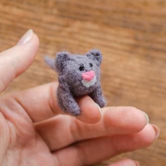 Серый котик миниатюрная валяная игрушка - Игрушки в технике валяния из шерсти - Ручная работа - Кот
