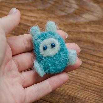 Брошь миниатюрная валяная игрушка - Игрушки в технике валяния из шерсти - Ручная работа