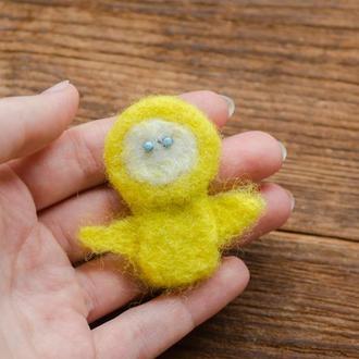 Брошь цыплёнок - Миниатюрная валяная игрушка - Украшения в технике валяния из шерсти - Ручная работа