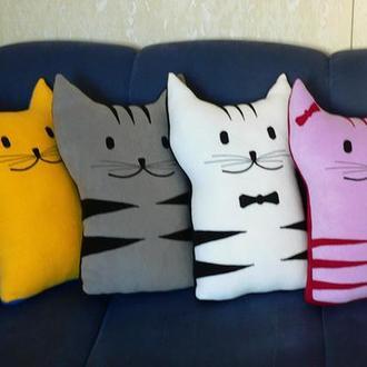 """Подушка-кот """"Вертикальная"""""""