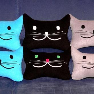 Дорожная подушка-кот для автомобиля