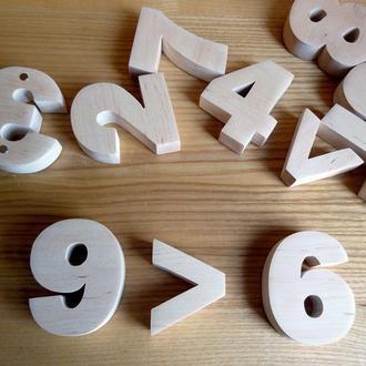 Цифри та знаки дерев'яні на магнітах. Деревянные цифры на магнитах