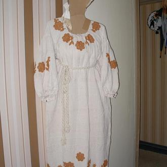 Этнокостюм: платье и чепец.