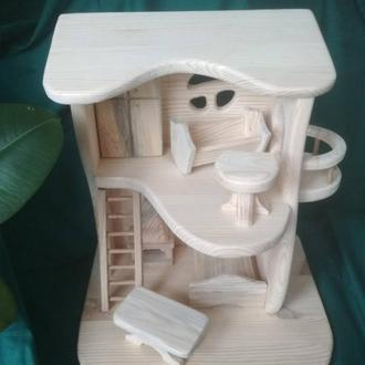 Ляльковий будиночок з дерева.