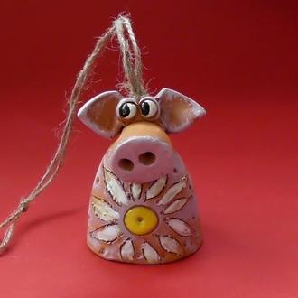 """Колокольчик """"Свинка и цветок"""""""